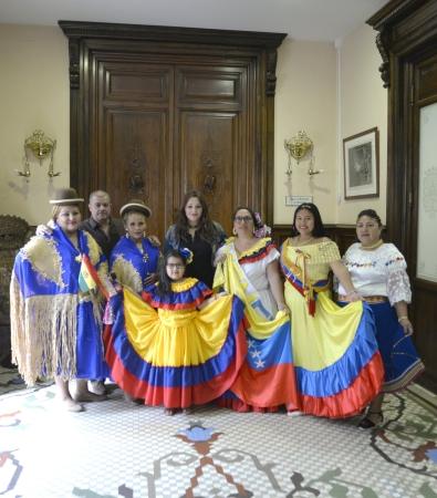 ©Ayto.Granada: El desfile del mestizaje por el centro de Granada añade diversidad e integración a los actos conmemorativos del 12 de octubre
