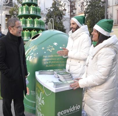 ©Ayto.Granada: El Ayuntamiento anima al reciclaje de vídrio esta Navidad con una campaña solidaria en plaza del Carmen