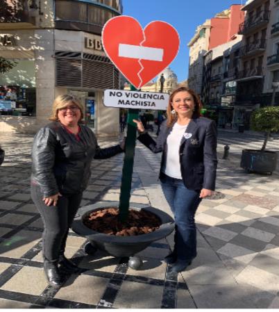 ©Ayto.Granada: Granada pone en marcha en las zonas más transitadas de la ciudad una campaña de sensibilización contra la violencia de machista