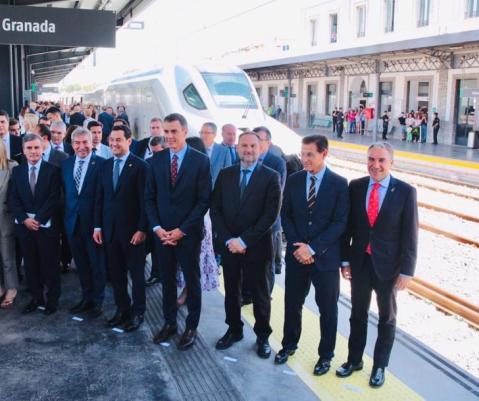 ©Ayto.Granada: El alcalde de Granada destaca la llegada del AVE como