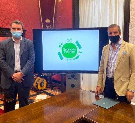 ©Ayto.Granada: El Ayuntamiento anima con la campaña Granada Green a usar los vehículos sostenibles
