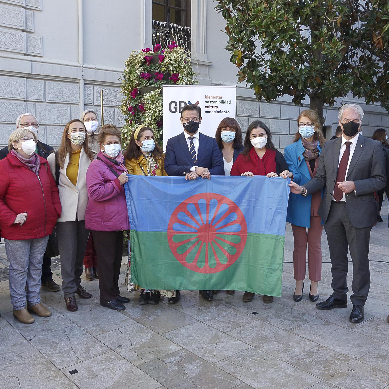 ©Ayto.Granada: El alcalde asiste en la Plaza del Carmen a la celebración del Día Andaluz del Pueblo Gitano
