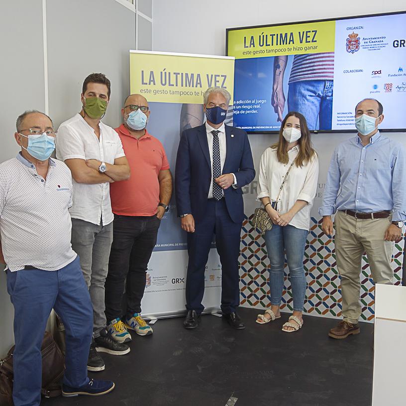 ©Ayto.Granada: EL AYUNTAMIENTO IMPULSA UNA CAMPAÑA PARA ADVERTIR DE LOS RIESGOS DE LA ADICCIÓN AL JUEGO A TRAVÉS DE INTERNET