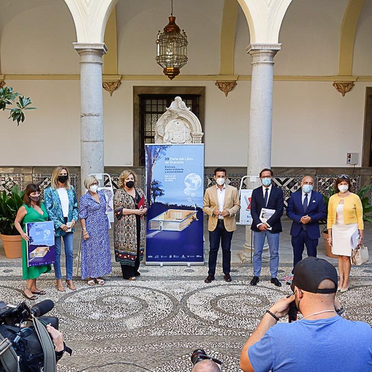 ©Ayto.Granada: EL AYUNTAMIENTO ACOGE LA PRESENTACIÓN OFICIAL DE LA 39 FERIA DEL LIBRO DE GRANADA